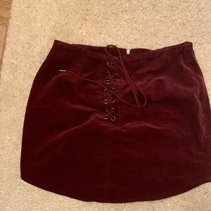 Suede lace of maroon skirt